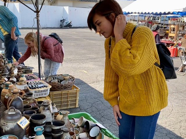 Walking around to weekend pottery market and enjoy Mashiko in spring